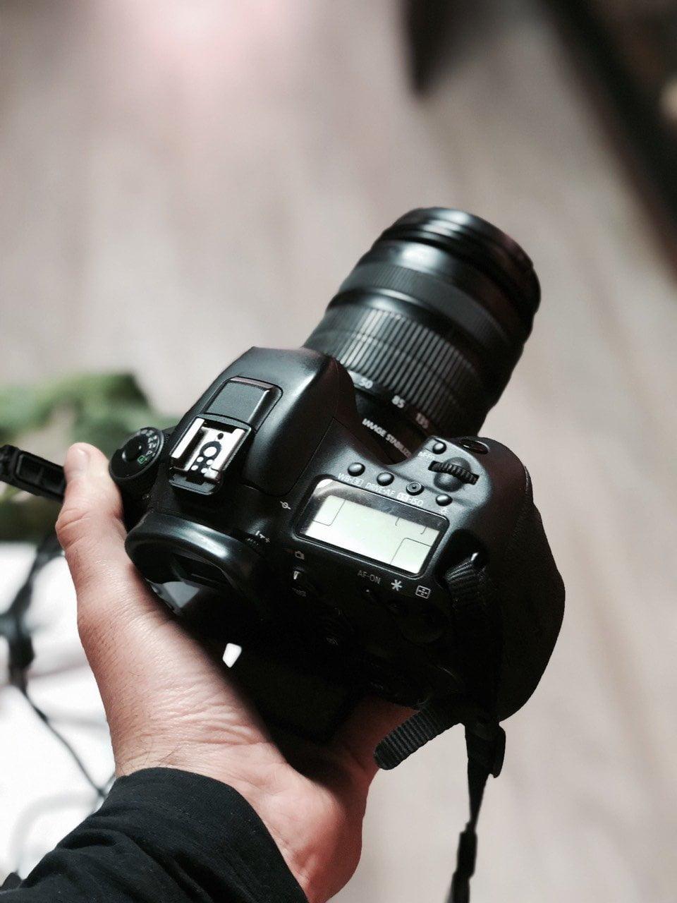 Mediji, aparat, ilustrcija, foto: M. Miladinović