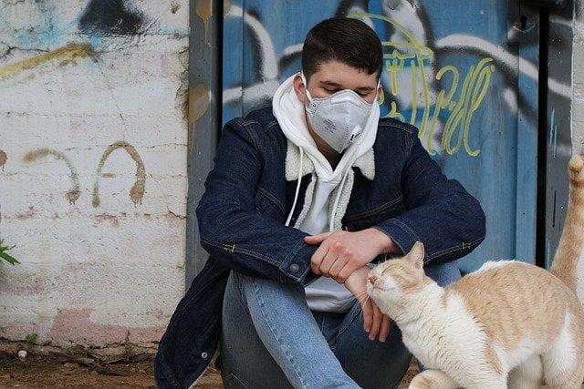 Zaštitna maska, korona, ilustracija, foto: Orna Wachman, preuzeto: Pixabay.com