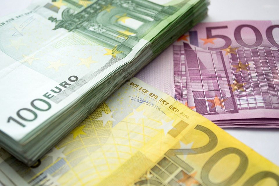 Ilustracija, euro, foto: Pixabay, autor: Jojo Hasilla